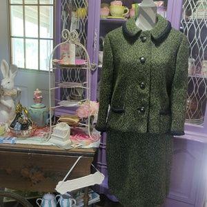 Dresses & Skirts - Vintage 2-Piece Wool Tweed Skirt Suit
